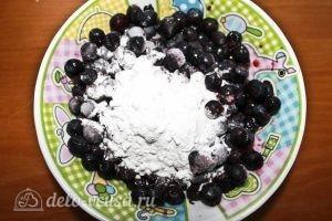 Ягодные пирожные: Смешиваем ягоды с крахмалом