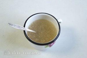 Клубничный торт-суфле: Заливаем желатин водой