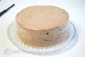 Муссовый торт с пралине: Снимаем форму с торта