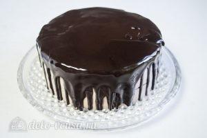 Муссовый торт с пралине: Переносим торт на сервировочное блюдо