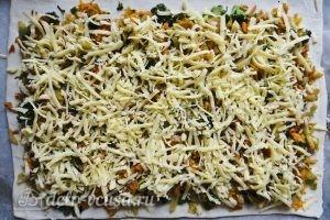 Пирог с брокколи: Добавляем сыр
