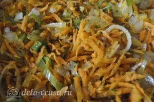 Пирог с брокколи: Добавляем морковь и специи