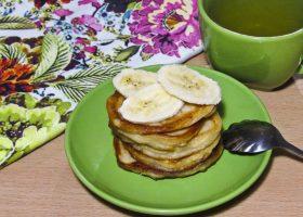 Творожно-банановые оладьи