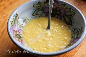 Омлет с помидорами: Добавляем молоко
