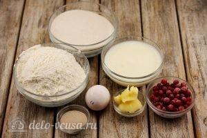 Пирожки со смородиной: Ингредиенты