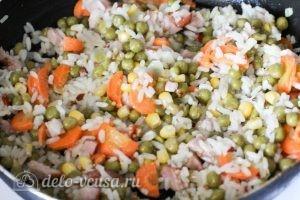 Рис с зеленым горошком: Обжариваем