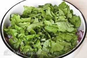 Редиска с майонезом: Добавляем листья салата
