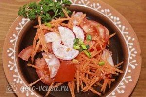 Салат из свежей моркови: Добавить петрушку