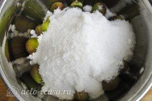 Варенье из инжира: Добавляем сахар