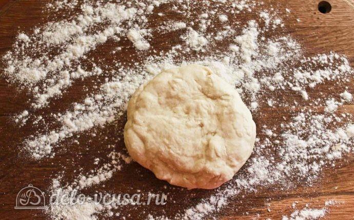 Вертушки с творогом: Раскатываем тесто