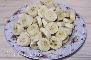 Банановый джем: Нарезаем бананы