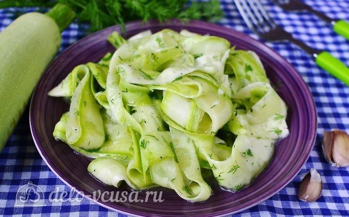 Маринованные кабачки с зеленью