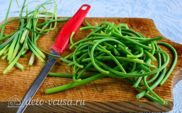 рецепт приготовления закуски из чесночных стрелок