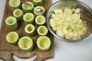 Фаршированные кабачки с курицей и сыром: Извлечь мякоть из кабачков