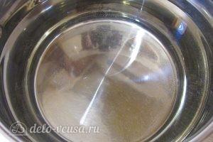 Клубничный компот с мятой: Греем воду