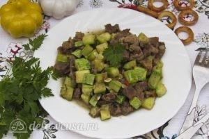 Жареное мясо с кабачками