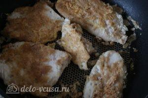 Отбивная из куриного филе: Обжариваем отбивные с двух сторон