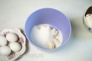 Капкейки с творожным кремом: Соединяем сахар со сливочным маслом
