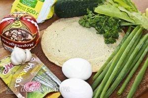 Салат с колбасой, яйцом и блинами: Ингредиенты