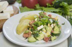 Салат с курицей и фетой