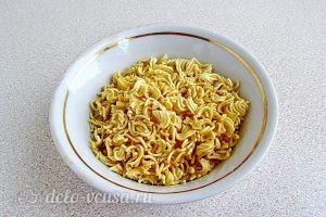 Суп из вермишели быстрого приготовления: фото к шагу 5