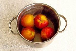 Варенье из персиков и консервированных ананасов: Вымыть персики