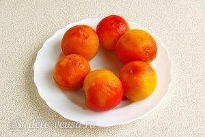 Варенье из персиков и консервированных ананасов: Снять кожу с персиков