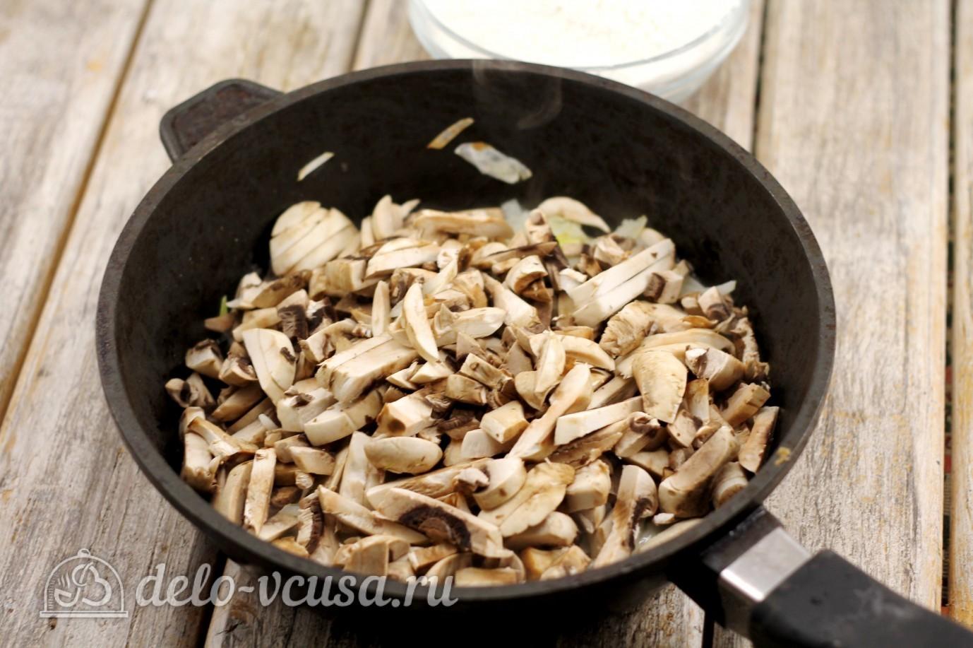 Жульен с курицей: Добавить грибы