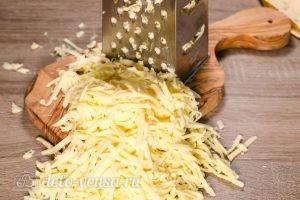 Ачма из лаваша: Натереть сыр на терке