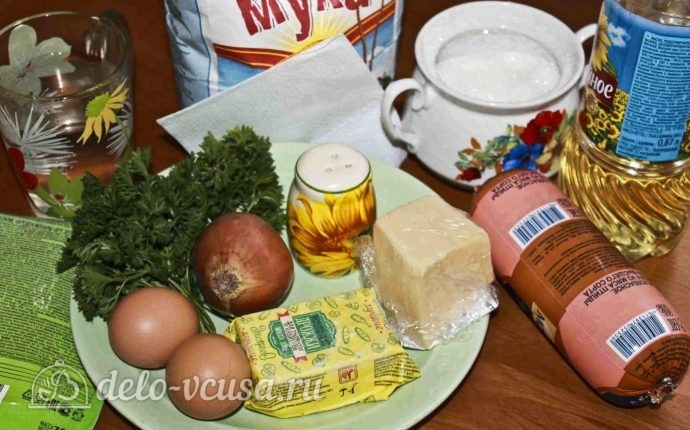 пироги с колбасой и сыром