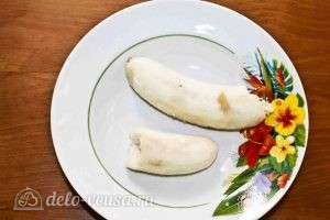 Овсяное печенье с черникой: Разминаем банан