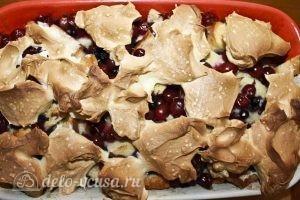 Пирог из белого хлеба с ягодами: Отправляем пирог с безе в духовку
