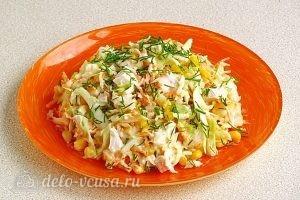 Салат из капусты, курицы и кукурузы