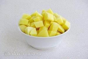 Суп из свежих лисичек: Картошку порезать кубиками