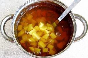Суп из свежих лисичек: Добавить картошку