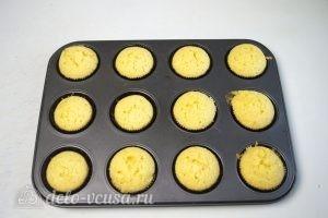 Ванильные кексы с начинкой: Остудить кексы