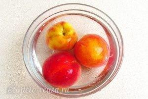 Варенье из персиков по-слонимски: Отправляем персики в ледяную воду