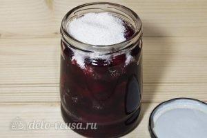 Вишня в собственном соку на зиму: Засыпаем сверху сахаром