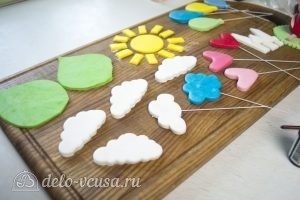 Арахисовый торт Коровка: Подготовить украшения лля торта