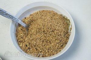 Арахисовый торт Коровка: Смолоть арахис в крошку