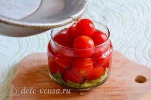 Помидоры черри на зиму: Залить помидоры рассолом