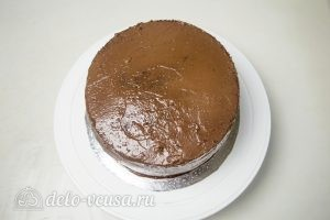 Шоколадный торт Дуэт: Обмазать торт кремом