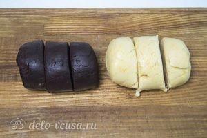 Сметанный торт Мишка: Разделить тесто на шесть кусков