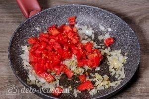 Баклажаны под сыром в духовке: Добавить помидоры