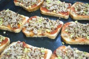 Горячие бутерброды с фаршем: Добавить фарш