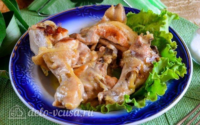 Тушеная курица в майонезе на сковороде