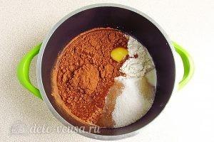 Домашняя шоколадная паста: Соединить какао, сахар, муку и яйца
