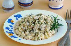 Салат с кальмарами и рисом