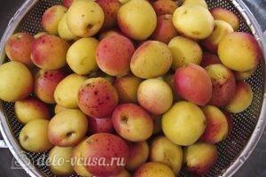 Варенье из абрикосов половинками: Промыть абрикосы