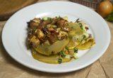 Запеченные кабачки с курицей и овощами